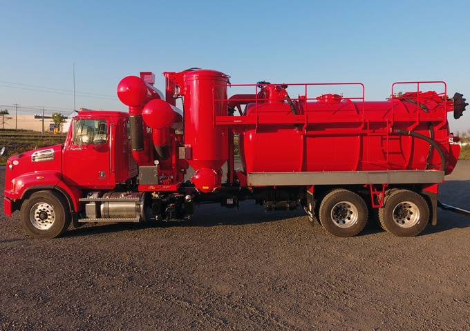 Wet/Dry <span class='fake-br'>Vacuum truck</span>